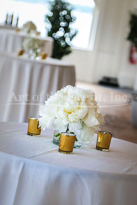 Seaside wedding belle mer newport rhode island art of the whereas the low centerpieces corresponded with the floral decor from the ceremony additional decor for the seaside wedding reception included a hedge wall junglespirit Images