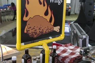 hot wing display sign