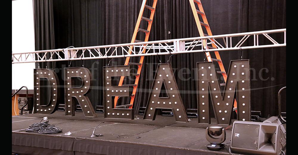 """""""DREAM"""" sign"""