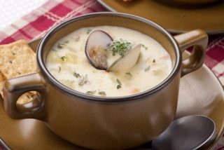 pot of clam chowder